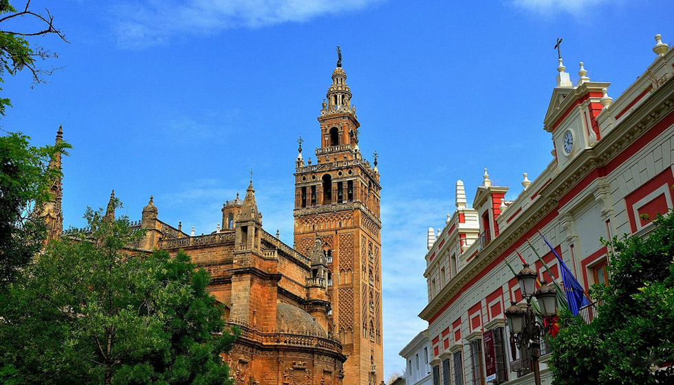 The Giralda Tower, part of Sevilla's elegant Arabic heritage