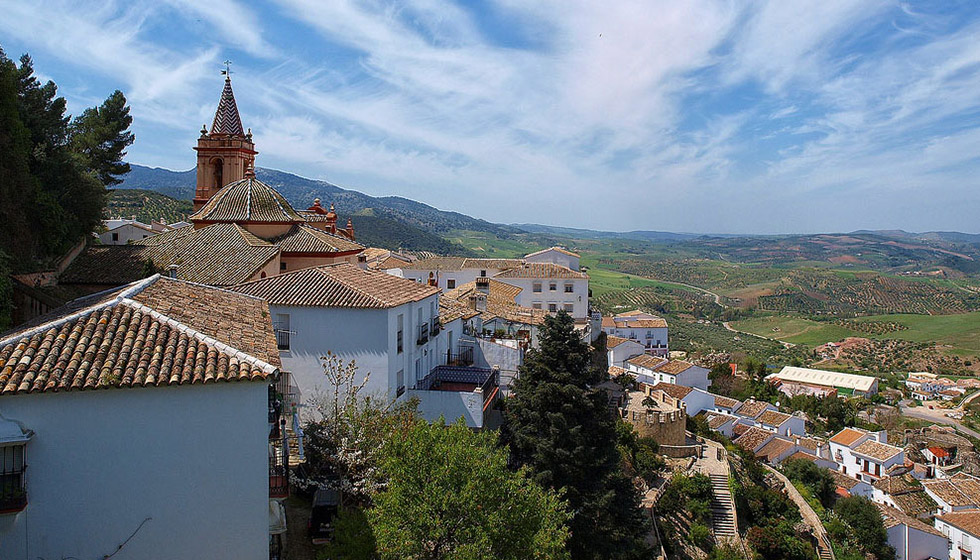 Zahara is the last village perched on the magnificent mountains of the Sierra de Grazalema