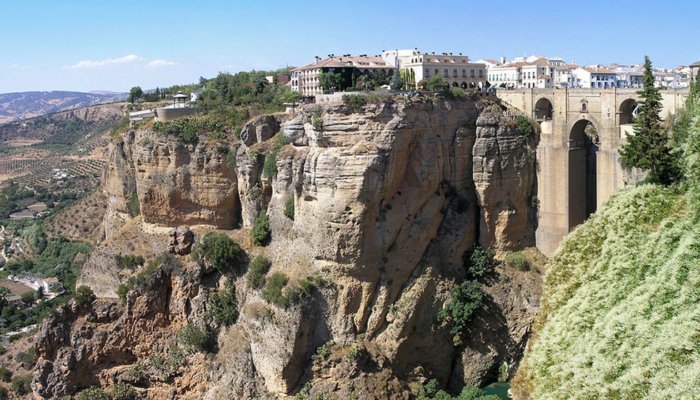 Ronda and its dizzy gorge