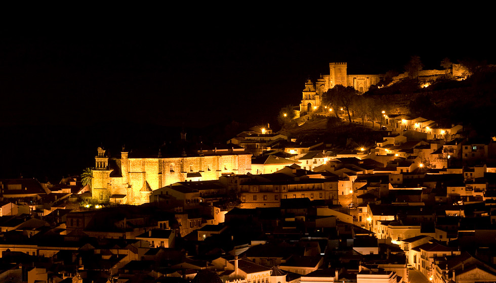 Aracena at night